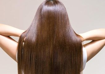 シリコンで保護されて、まとまり、つやのある髪