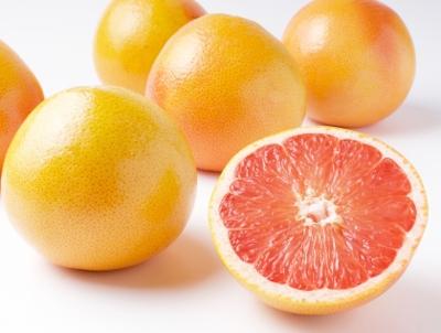 ビタミンCやリコピンが豊富なグレープフルーツ