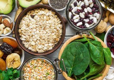 ナッツや葉物野菜などのマグネシウム豊富な食材