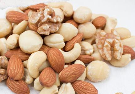 ビタミンE豊富なナッツ類