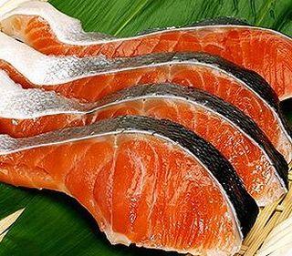 アスタキサンチンが豊富に含まれる鮭