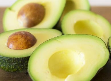 ビタミンEや不飽和脂肪酸を含むアボカド
