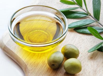 オレイン酸などで美肌にいいオリーブオイル