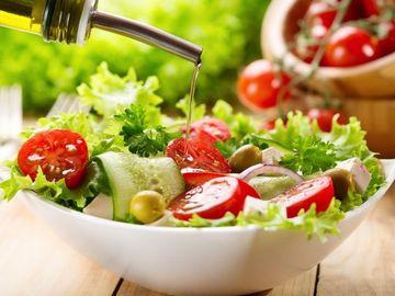 食物繊維豊富な野菜サラダ