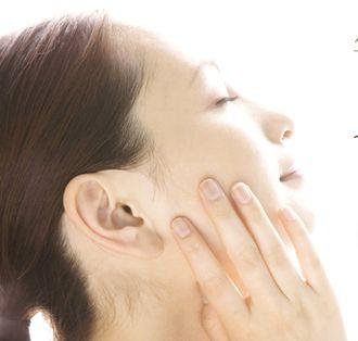 APPSやαアルブチンなどで透き通るような白い肌