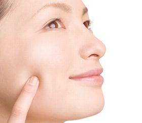 皮脂の過剰な分泌が抑えられ、ニキビや毛穴に悩まない素肌