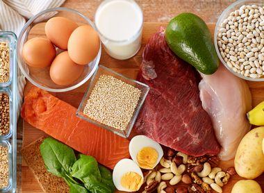 たんぱく質豊富な肉類や魚介類などの食材