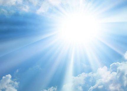 強力な紫外線が降り注ぐ太陽