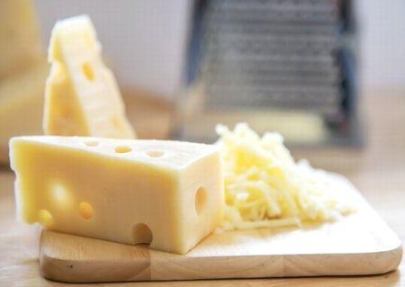 チロシンが含まれるチーズ