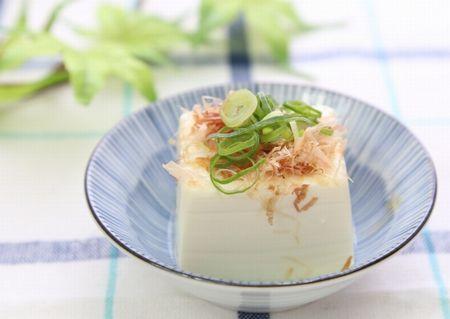 チロシンやたんぱく質豊富なお豆腐