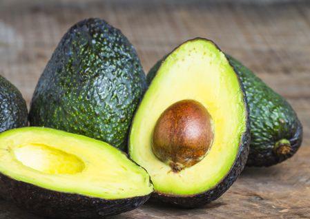 ビタミンEや鉄など栄養豊富なアボカド