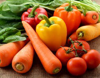 βカロテンやリコピンが抽出できるにんじんやトマト