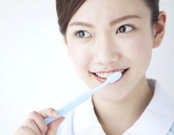 歯を磨く様子