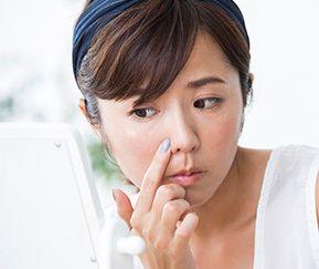 鼻の毛穴、角栓が気になる女性
