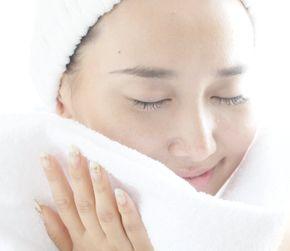 ジェントルウォッシュで洗顔した女性