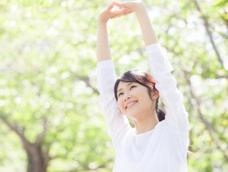 お味噌の効果で生き生きと健康的な女性