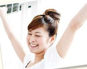 熟成にんにくや有精卵黄で疲労回復効果を実感する女性