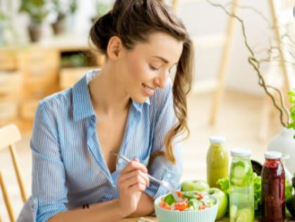 首のしわに効果的な食べ物で体の中からケア