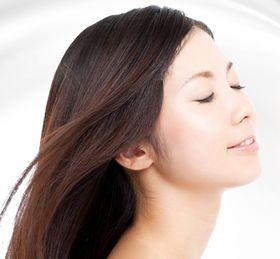 リモネンや保湿成分でコシがあり、するんとまとまる美しい髪
