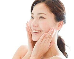 ジンセンXで肌本来の力が高まり、健康的な肌の女性
