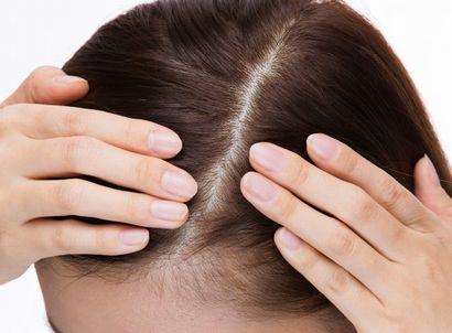 頭皮にはトリートメントをつけないよう気をつける女性