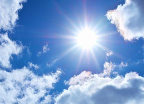 紫外線が降り注ぐ太陽