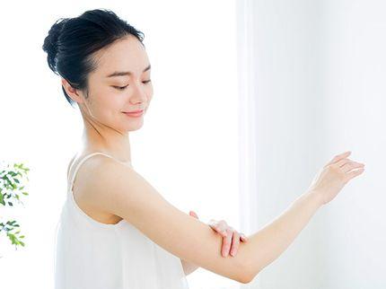 敏感肌を気にする女性