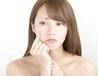 コラーゲンやエラスチンの減少に悩む女性