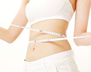 「13-OXO-ODA」の脂肪燃焼効果でスリムな女性