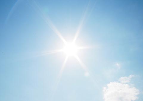 紫外線の強い太陽