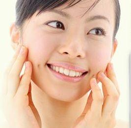 発酵コラーゲンエキスなどの保湿成分でしっとり、健康的な素肌